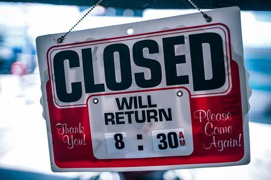 Sign stating the business is closed